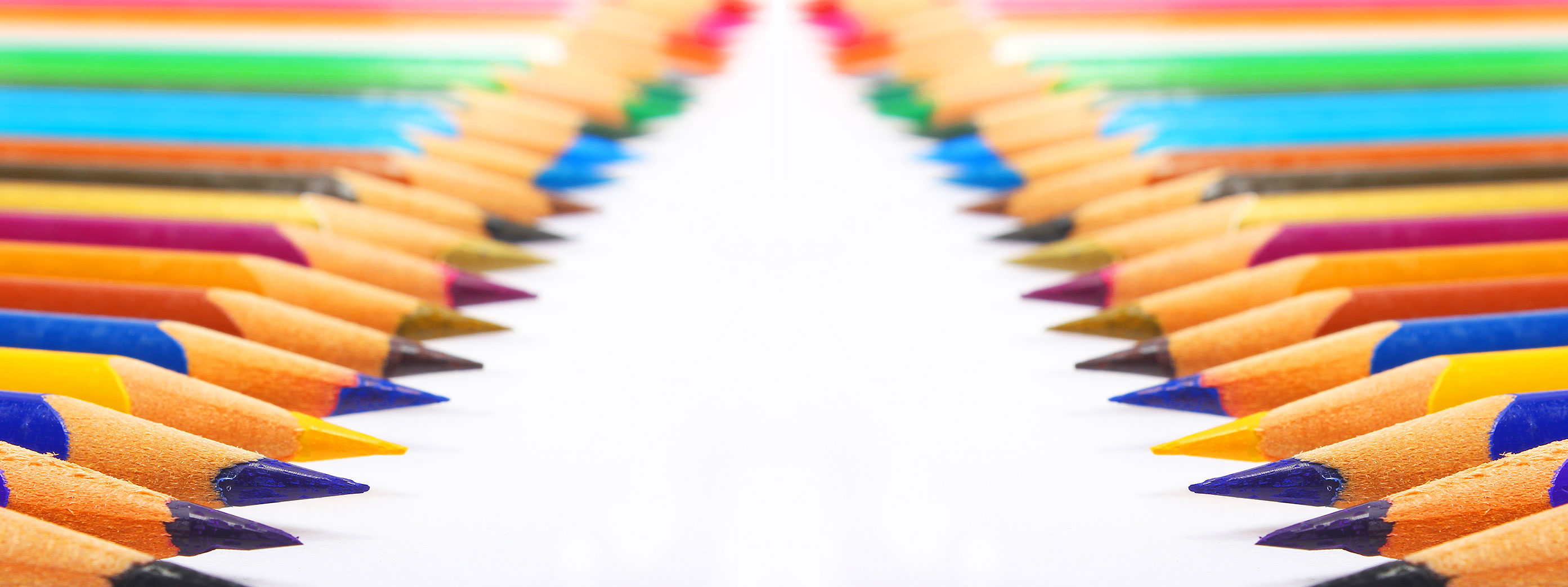 aligned colored pencils